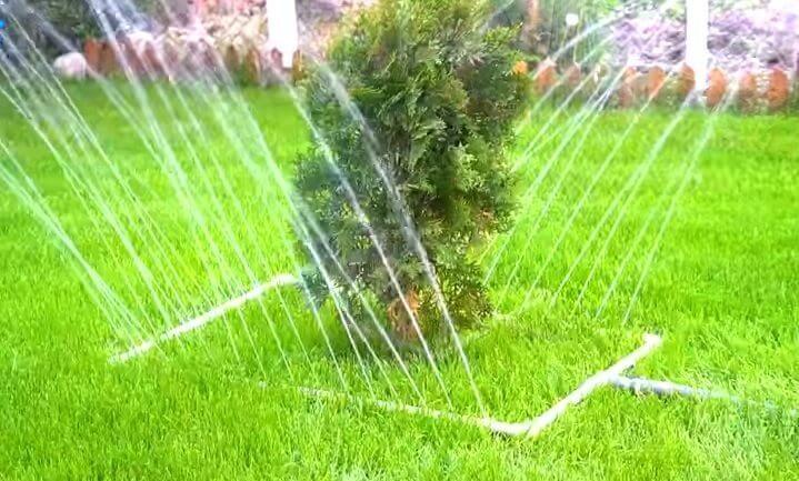Skvelý nápad na výrobu jednoduchého zavlažovania trávnika