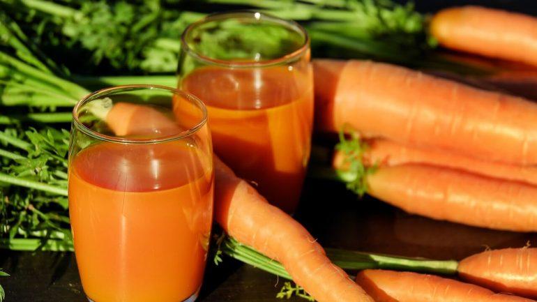 Karotkový sirup s pomarančovou príchuťou
