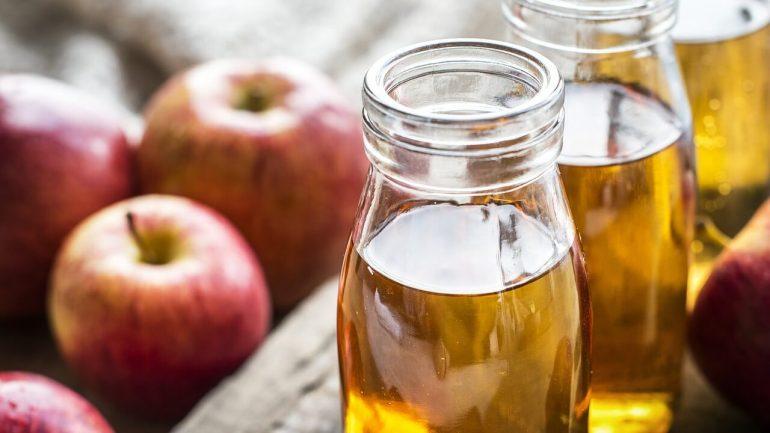 Poznáte zdravotné účinky jablčného octu? Oplatí sa vedieť