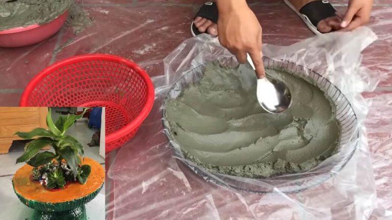 Video: Vkusný kvetináč  v tvare stolíka
