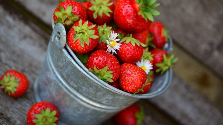 strawberries-3431122_960_720