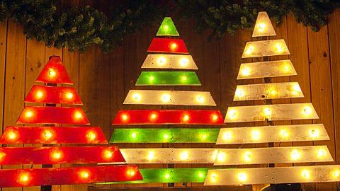 Krok za krokom, ako urobiť krásny vianočný stromček zo starých paliet