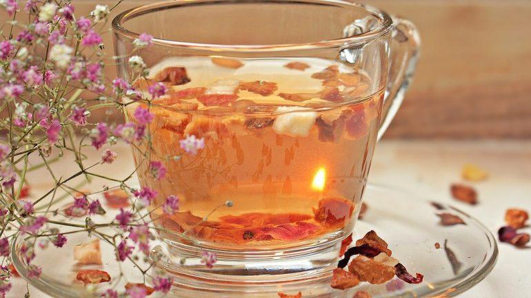 Vyrobte si lahodný pečený čaj zo zaváranín