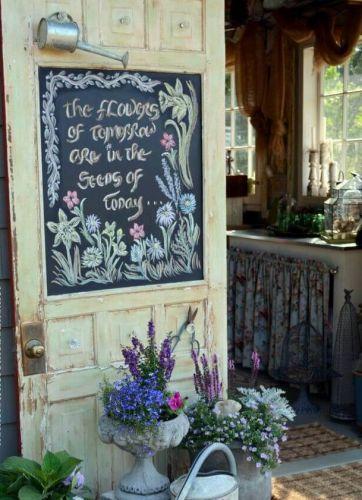 Nápis zo starých dverí.