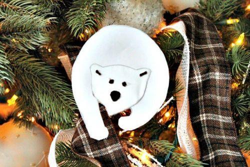 Ľadový medveď z papiera