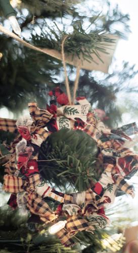 Vianočný veniec z kúskov látky