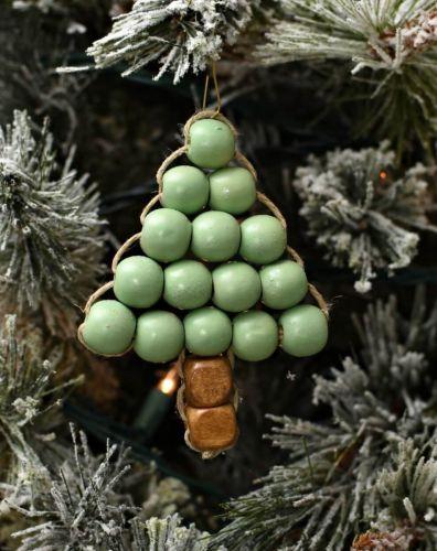 Vianočný stromček z gorálok