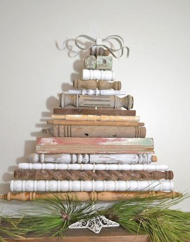 Vianočný stromček z recyklovaného materiálu