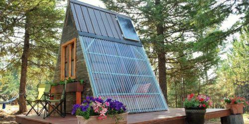 Dom má rozmery 80 metrov štvrocových a bol postavený za týždeň.