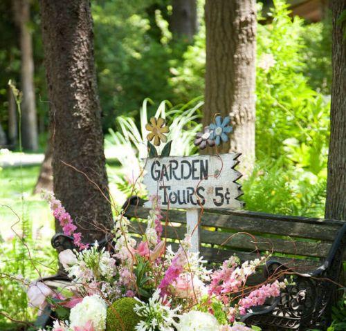 Tabule a nápisy skrášlia vašu záhradu