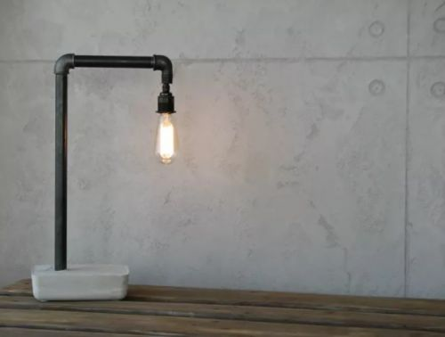 Lampa z potrubia